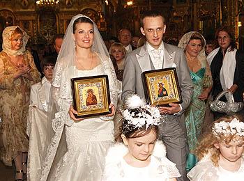 Венчаются после свадьбы или до свадьбы